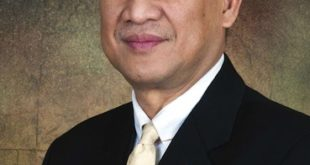 Malaysian Minister of Tourism and Culture Dato' Seri Mohamed Nazri Abdul Aziz